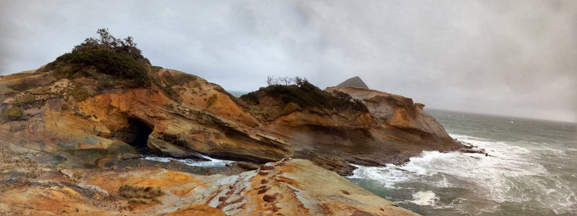 cape kiwanda colors-PANO.jpg