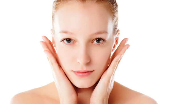 Da khô dùng mỹ phẩm nào tốt giúp da hết khô hiệu quả ?