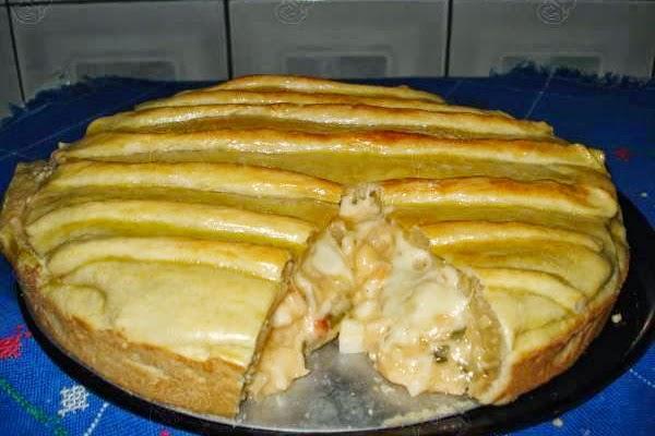 Torta de Frango com Queijo Cremoso
