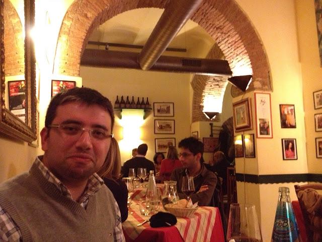 La Taverna dei Fori Imperiali'de yemek yerken, Roma
