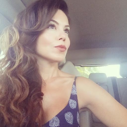 Cynthia Frias Photo 14