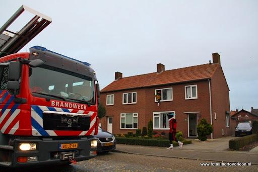 Sinterklaas komt aan bij Josefschool overloon 02-12-2011 (15).JPG