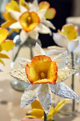 Flor com pente de ovos