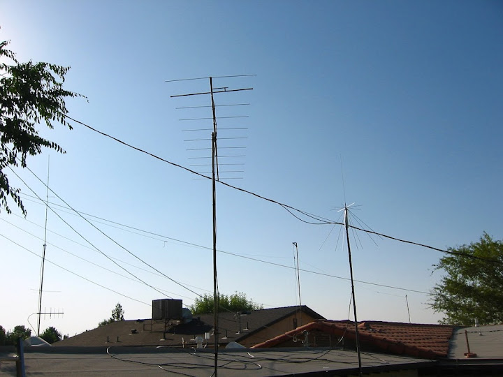The KC6KGE station antenna in Taft,                       California. Cushcraft A144-11 Yagi 20 feet with                       15.3 dBi gain. Effective isotropic radiated power:                       526 watts (57 dBm)