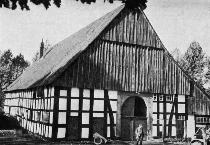 Brede, Dehlentrup. Neuere Form des niederdeutschen Hallenhauses (Wohn-Stall-Speicher-Haus)