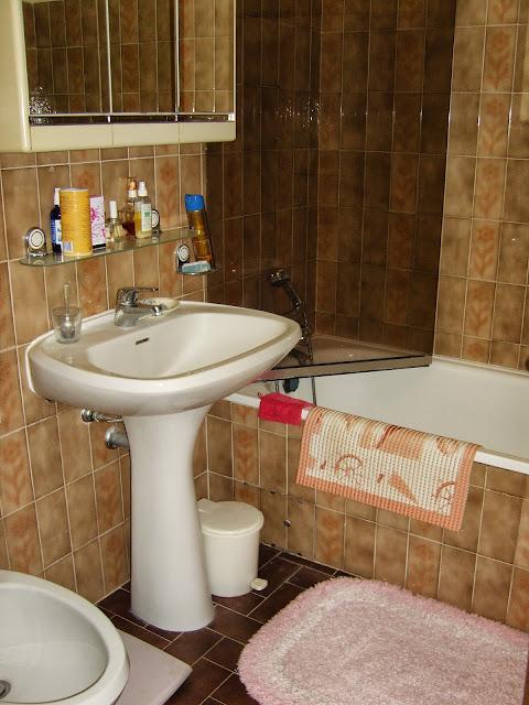 remplacer un lavabo ancien vasque sur pied avec le moins de tracas. Black Bedroom Furniture Sets. Home Design Ideas
