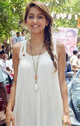 Anusha Dandekar Photos