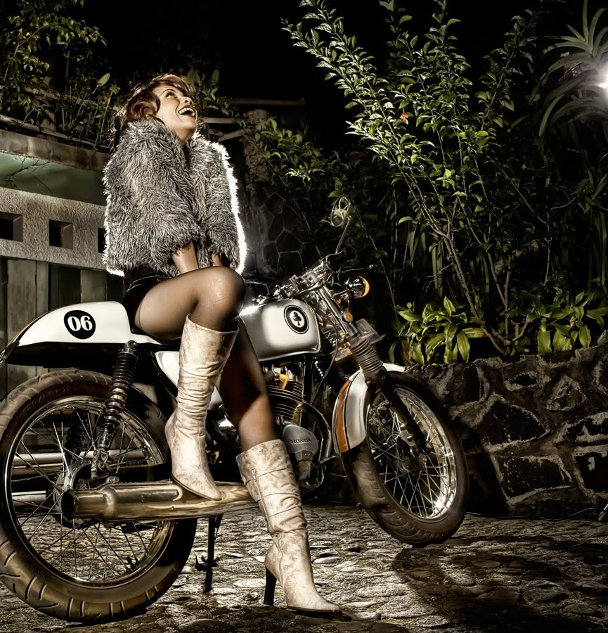 Girls On Motorcycles Return Of The Cafe Racers