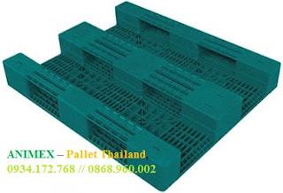 Pallet nhựa mặt phẳng 3 thanh chặn