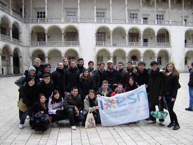 我們所跟的SGH學生會團在Wawel皇宮合影