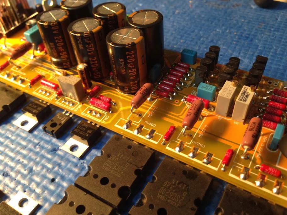 Amplificateur de type CFA avec sortie bipolaire 2SC5200/2SA1943 2013-11-18%252021.12.18