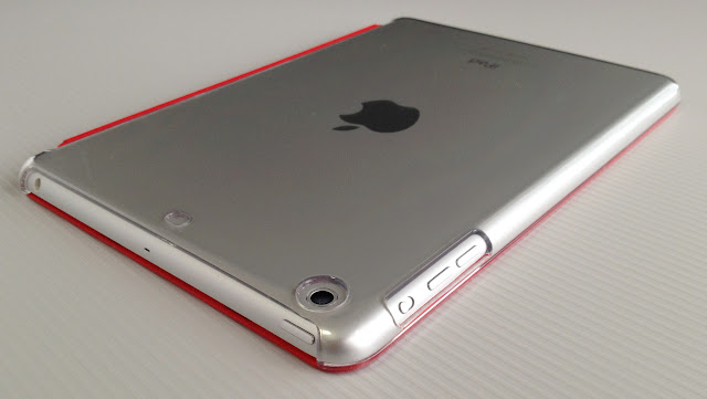 バッファロー製「BSIPD712CHCR」とApple純正スマートカバー「(PRODUCT) RED」