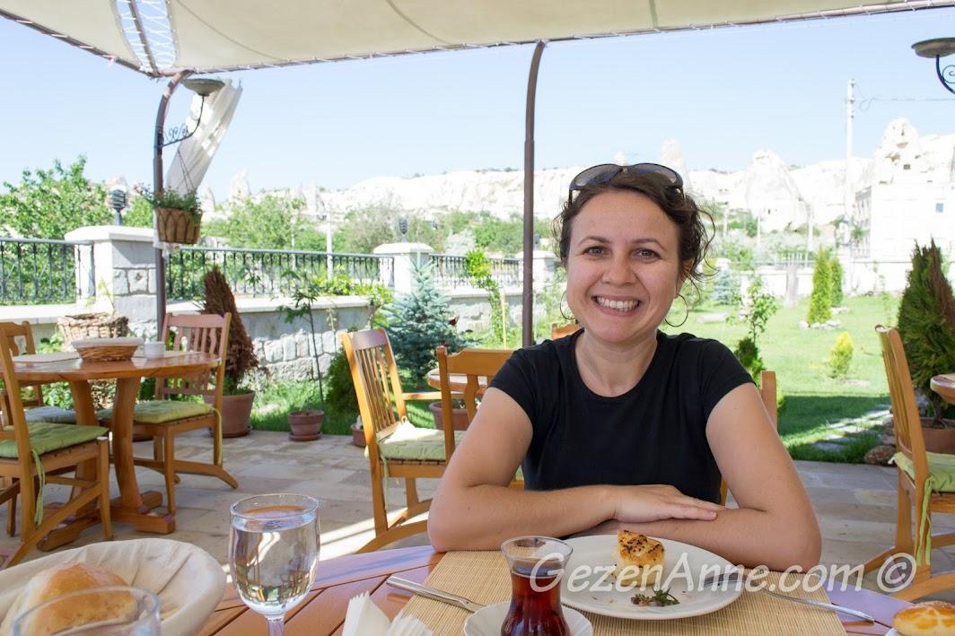 Göreme Inn otelde kahvaltı ederken, Kapadokya