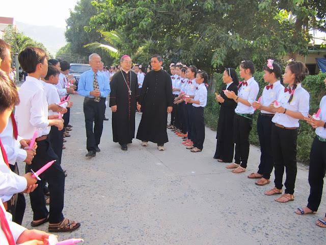 Thánh lễ Thêm sức tại Giáo Xứ Tân Bình