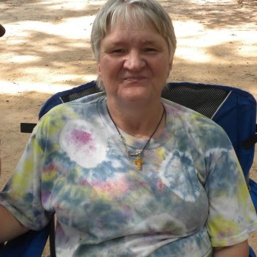Lynn Jones Photo 11