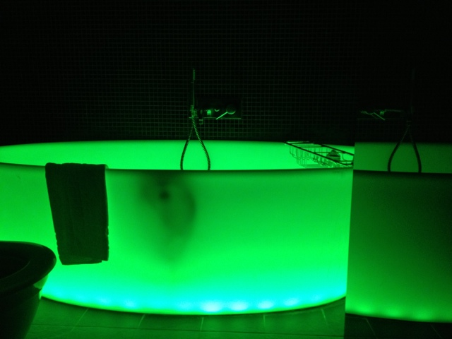 Life on the Flipped Side: Strobe Light Bathtub