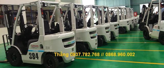 Xe nâng diesel 2.5 tấn và 3 tấn