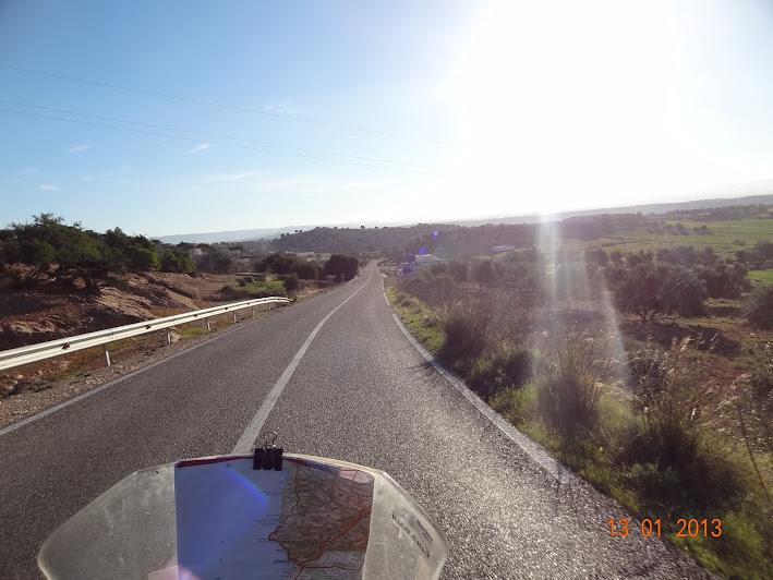 Marrocos e Mauritãnia a Queimar Pneu e Gasolina - Página 3 DSC05592