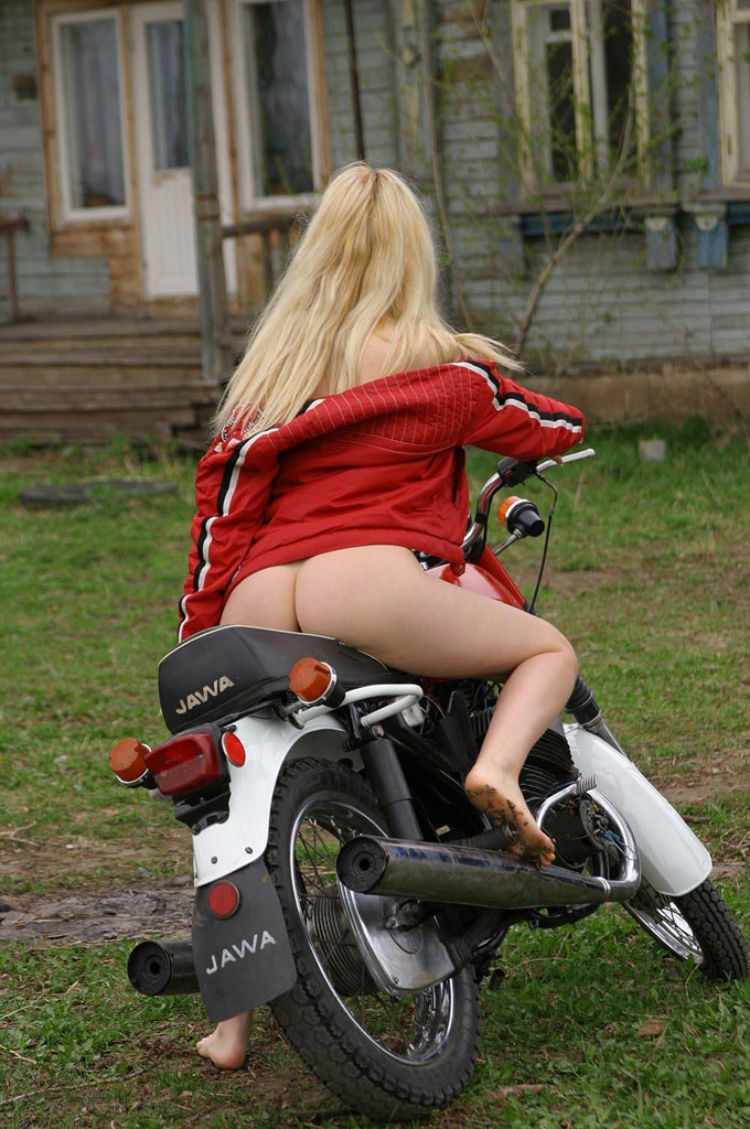 Naked Girls On Motorbikes