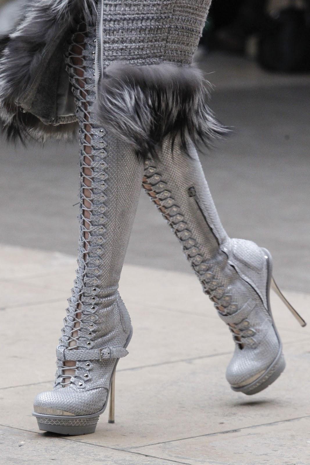 Shoes : Alexander McQueen fw 2012 Runway Show