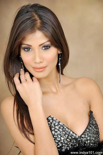 Nicole Faria Photos