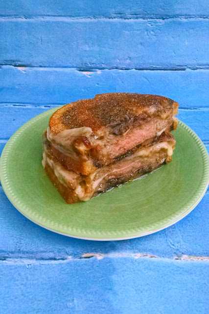 ULTIMATE Mushroom Swiss Patty Melt – Protein Packed #SundaySupper