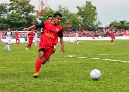Skuat Persinga Ngawi saat menjamu tim tamunya Persis Solo pada laga uji coba di Stadion Ketonggo