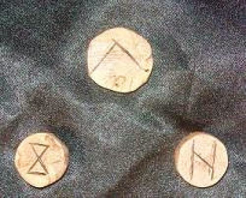 What Can You Expect From A Rune Reading