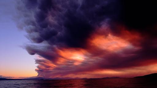 Mount Ruapehu Eruption Over Lake Taupo, New Zealand.jpg