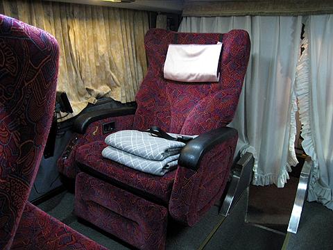 西日本JRバス「プレミアムドリーム号」・157 シート