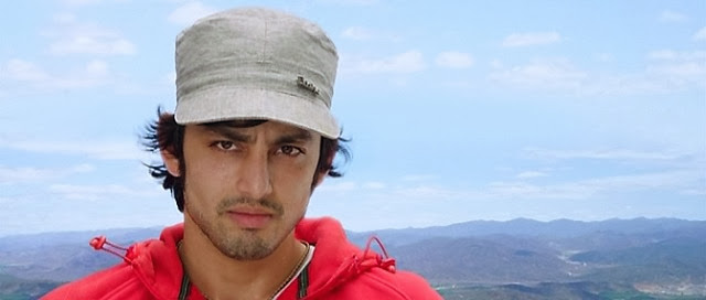 Screen Shot Of Hindi Movie Yaariyan (2014) Download And Watch Online Free at Alldownloads4u.Com