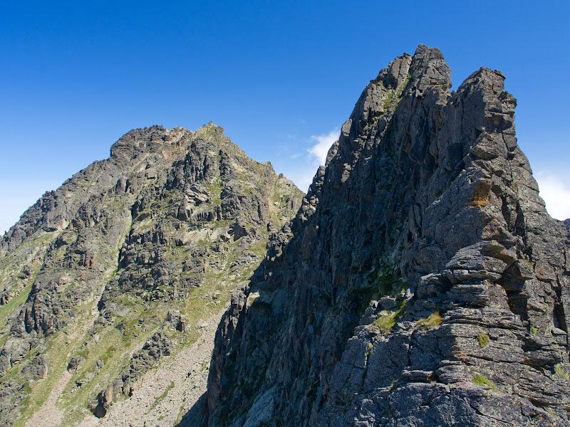 En primer terme el Fontargenta, el tram més difícil del crestall