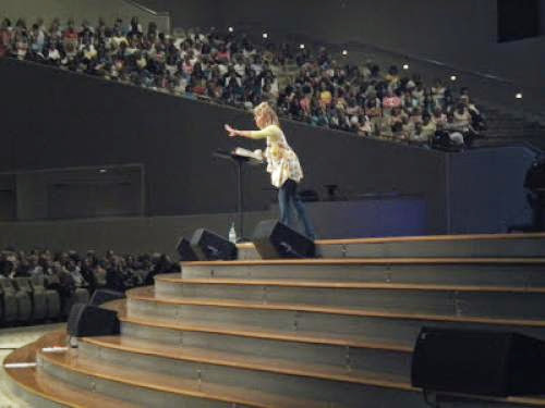 Beth Moore Reactions To Living Proof Teaching In Charlotte Part 1 The Women