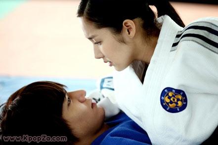 ชาวจีนกว่า 1.6 ล้านคน ช็อคข่าว Lee Min Ho และ Park Min Young คบกัน