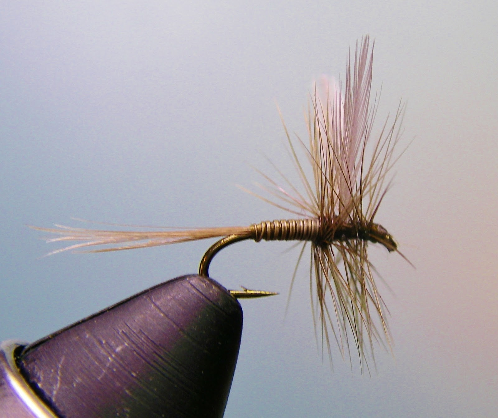 Burnt Drags: Tying with porcupine quills