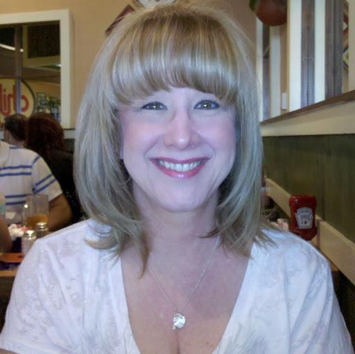 Lynn Curtis Photo 21
