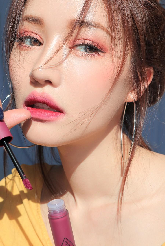 Son kem 3CE Soft Lip Lacquer màu Midnight Bottle (tím hồng)