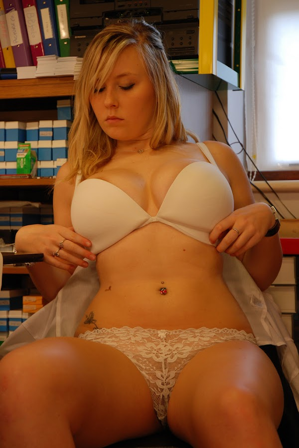 Curvy Blonde Beauty in a Basic White Bra and Panties:boob,panties