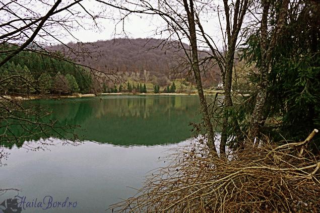 lacul gura golumbului