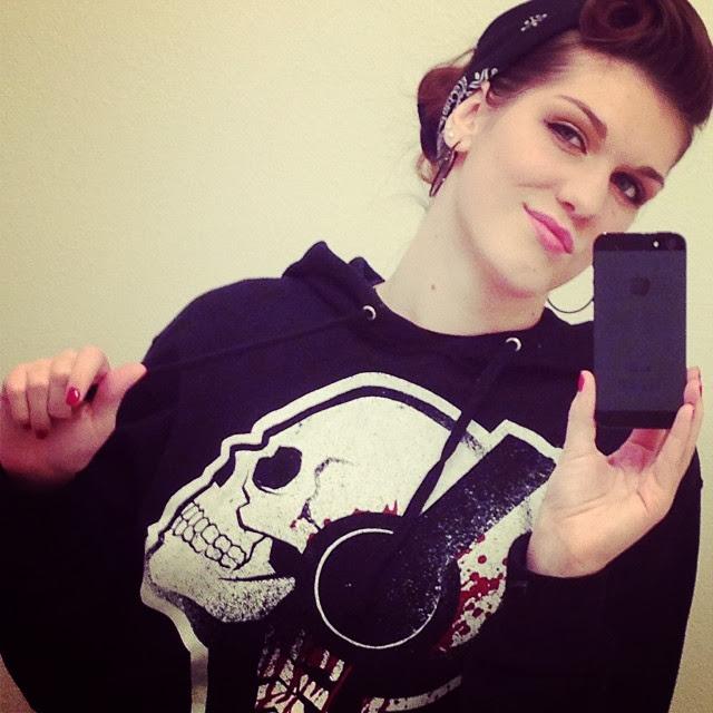 akumu ink, akuma ink, skull hoodie, skull hood, skull shirt, skull headphones, bloody headphones, badass hoodie, black hoodie, goth hoodie