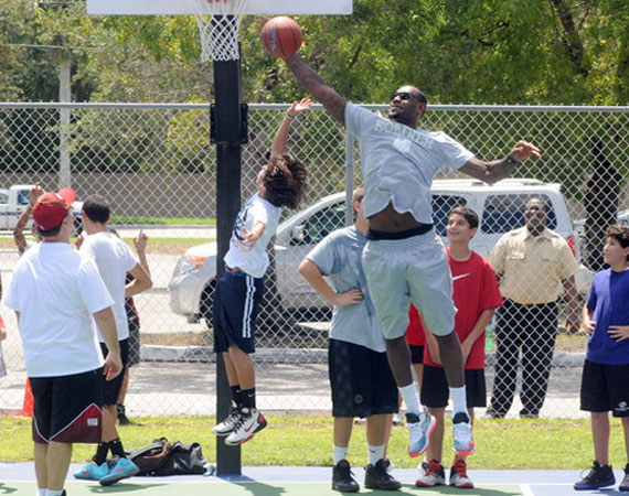LeBron James Gives Back in Nike LeBron 8 V2 Low 8220Miami Nights8221