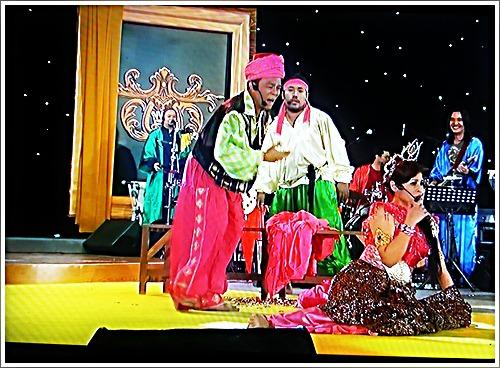 Jambu sebagai penyamun dari cerita 1001 malam cuba mengurat Zila Bakarin