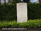 Private C.P. Carven, The Dorsetshire Regiment, 3rd april 1945, age 32, Oosterbegraafplaats Enschede.