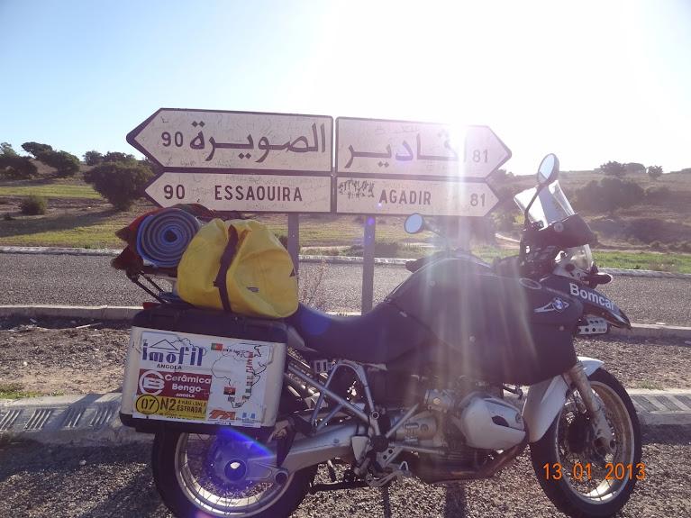 Marrocos e Mauritãnia a Queimar Pneu e Gasolina - Página 3 DSC05596