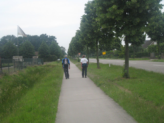 Marche Kennedy (80km) de Rijsbergen (NL): 15-16/06/2012 IMG_2822