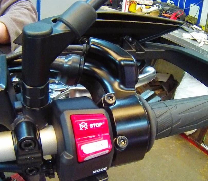 Poignées chauffantes Yamaha Tracer FILE0008