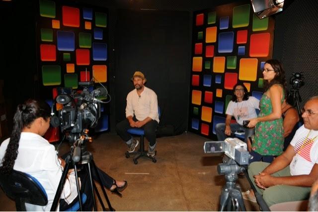 Televisão da Educação do RN entrevista o mamulengueiro e calungueiro Chico Simões