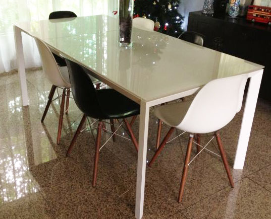 Rio White Gl Extending Dining Table