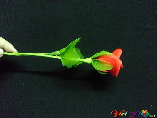 Cách làm hoa hồng nhung bằng vải voan (hoàn thành)