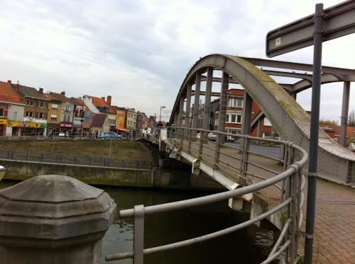 Pont de Menen sur la lys